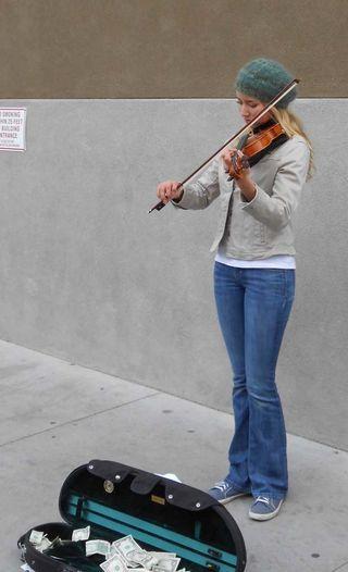 SFMarket_violing