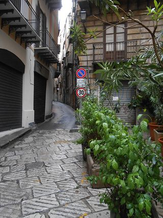 Palermo_alleyway