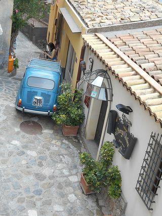 Taormina_bluecar